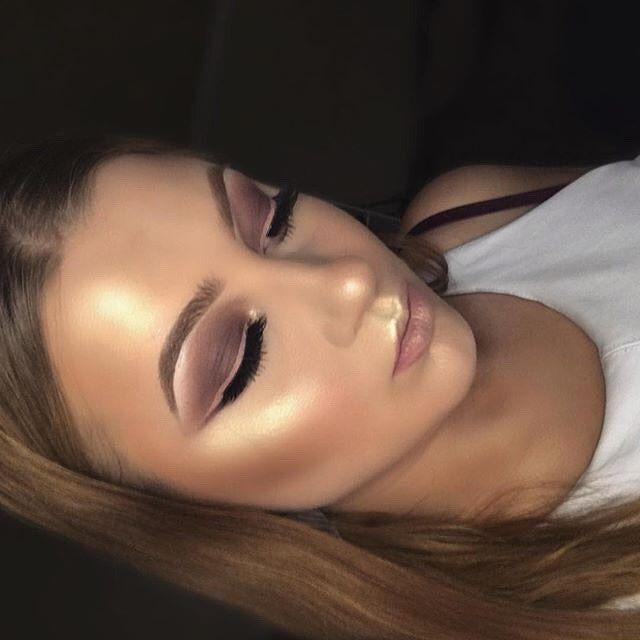Glowing @makeupbyemma  Sweets🍬 #GlowKit  #anastasiabeverlyhills #sweetsglowkit