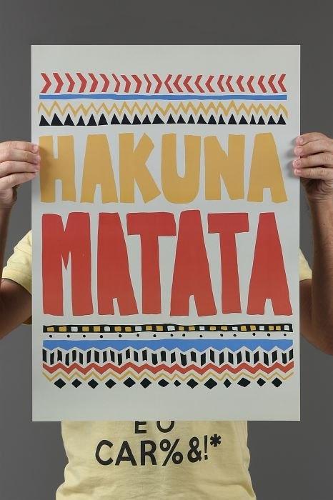 Camiseta Poster Hakuna Matata Sem Problemas!