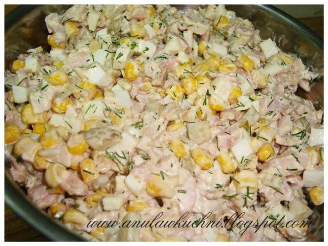 Anula w kuchni: Sałatka z wędzonym kurczakiem i koperkiem