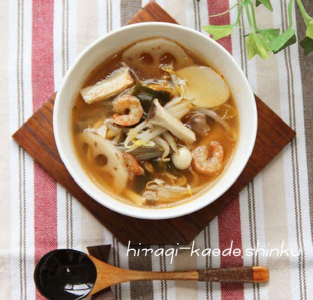 夏が来る前に☆脂肪燃焼レシピ特集 - Locari(ロカリ) キムチで脂肪燃焼のスープ。根菜が入っているのでデトックス効果や