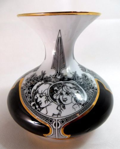 Beautiful porcelain from Hungary... Retro Hungarian Hollohaza Fine Porcelain Baluster Vase Art Deco Design 1960s - ebay £4.95