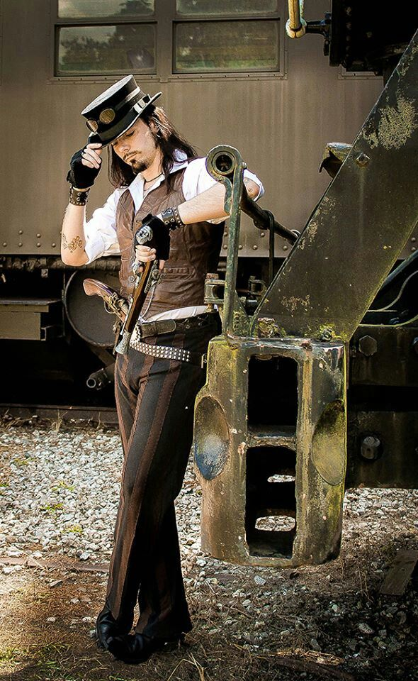 Steampunk Gentleman.  How could I NOT pin this? I wish more men would wear this style, I adore it when I see my boyfriend in costume, especially his Victorian villain. x