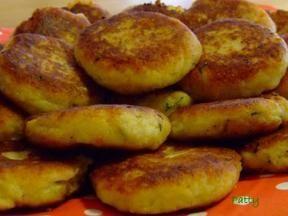 Mit Mozzarella gefüllte Kartoffel-Kräuter-Taler Rezept - Rezepte kochen - kochbar.de - mobil: