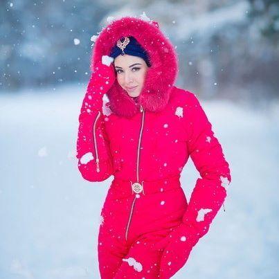 Мех на наших комбинезонах из песца или енота (зависит от модели) . . Наш контактный номер  8 987 230 01 01 . . Фотограф @alisatyt . . Шапочка @vyazanie_116 . . #челны #зима #девушка #снег #сноуборд #набережныечелны #зима2016 #комбинезон #зима2017 #комбинезоны #теплаяодежда #зимнийкомбенизон #одежда #комбез #зимнийкостюм #пуховик #женскийпуховик #горнолыжныйкостюм