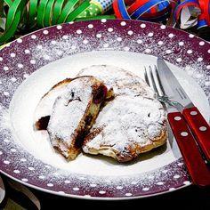 Keersekook: Limburgse kersenpannenkoekjes. Een soort drie-in-de-pan gevuld met kersen. Niet alleen kinderen vinden dit lekker!