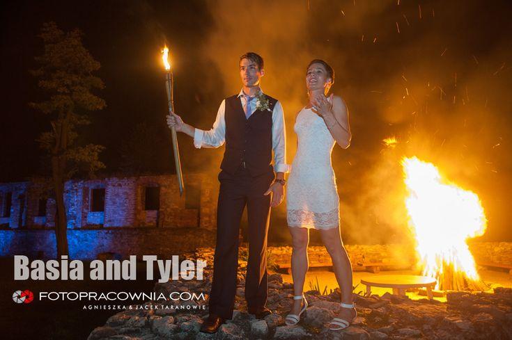 Basia i Tyler - ślub w plenerze | Zamek w Toszku
