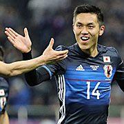 サッカーW杯アジア最終予選のタイ戦の後半、ゴールを決める日本代表の吉田=2017年3月28日、埼玉スタジアム【時事通信社】 サッカーの2018年ワールドカップ(W杯)ロシア大会アジア最終予選で、B組の日本は28日、埼玉スタジアムでタイを4―