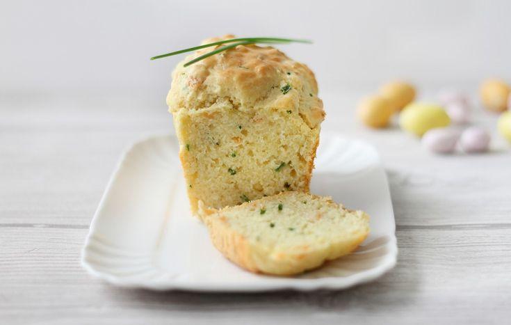 Cake salato al salmone ed erba cipollina