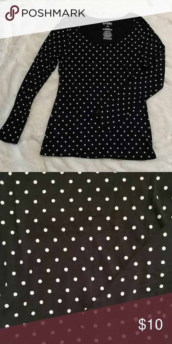 Women's top Cute black and white polka dot top great shape and has stretch. Old Navy Tops Tees - Long Sleeve