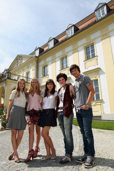 Emilia Schuele Photos Photos - (L)   German actors Farina Flebbe, Vivien Wulf, Emilia Schuele, Maria Ehrich and Daniel Axt pose for the media during a photo call on August 19, 2009 in Passau, Germany.  The movie 'Rock It' will start in German cinemas on February 2010. - Rock It - Set Visit