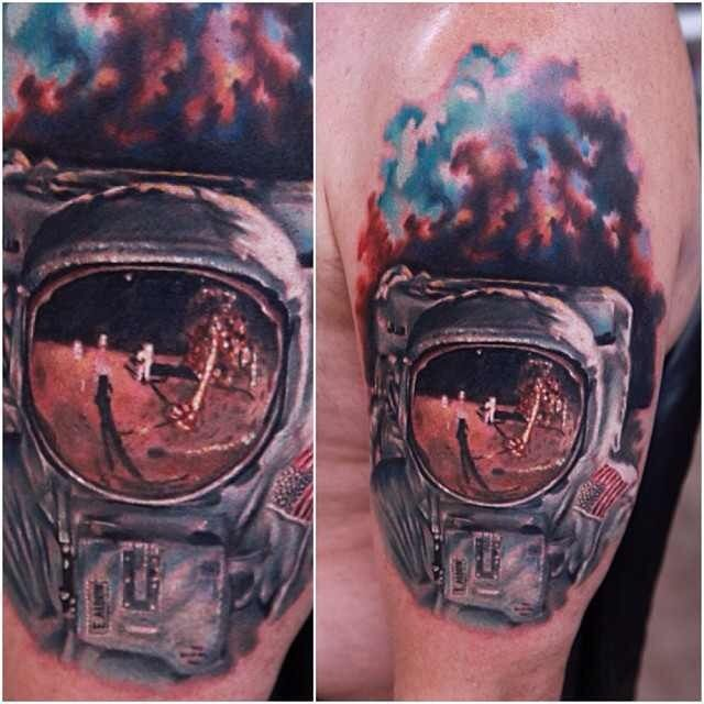the astronaut on moon tattoo - photo #9