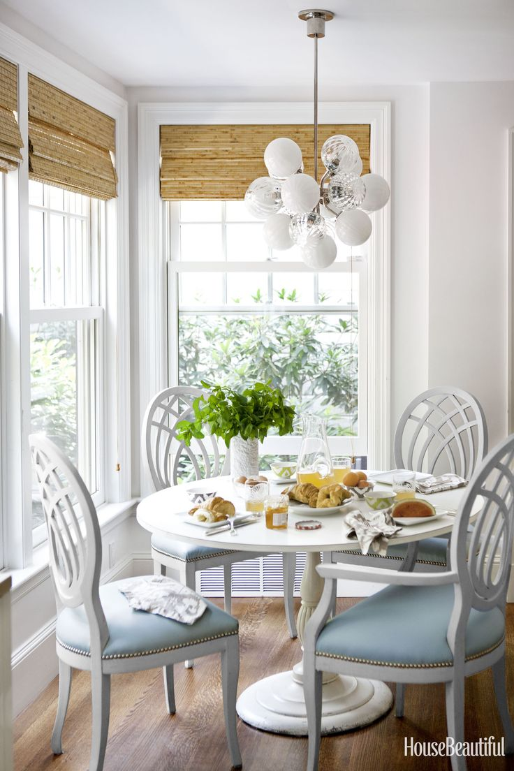 Yellow frame vintage sheet metal french cafe and bistro armless chairs - 45 Cozy Breakfast Nooks For The Dreamiest Saturday Morning