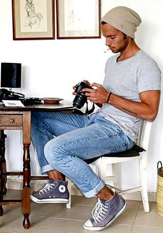 30代 ニットキャップ×Tシャツの着こなし(メンズ) | Italy Web