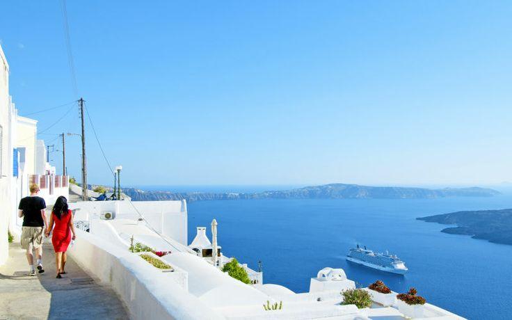 Rejs på sommerferie til smukke Santorini. Se mere på www.apollorejser.dk/rejser/europa/graekenland/santorini