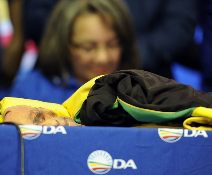 Patricia de Lille predicts outright majority for Democratic Alliance in Cape Town Patricia de Lille was feeling confident after South Africa's polls closed followed the local government elections on Wednesday. http://www.thesouthafrican.com/patricia-de-lille-predicts-outright-majority-for-democratic-alliance-in-cape-town/