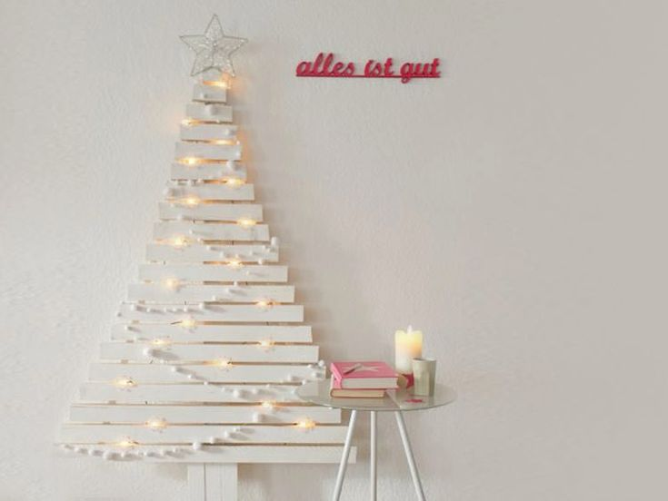 diy anleitung alternativen weihnachtsbaum mit holzlatten bauen via holz. Black Bedroom Furniture Sets. Home Design Ideas