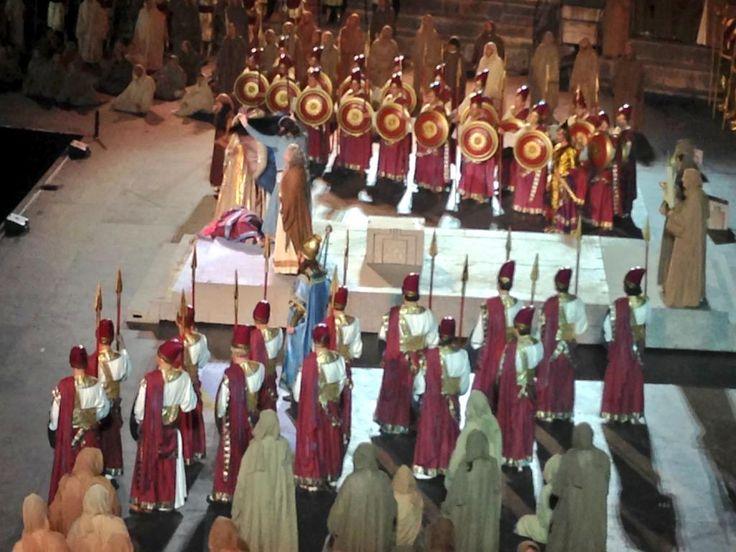 Si chiude così il meraviglioso #Nabucco di #GiuseppeVerdi #inarena ...che emozione!  alla prossima #opera!