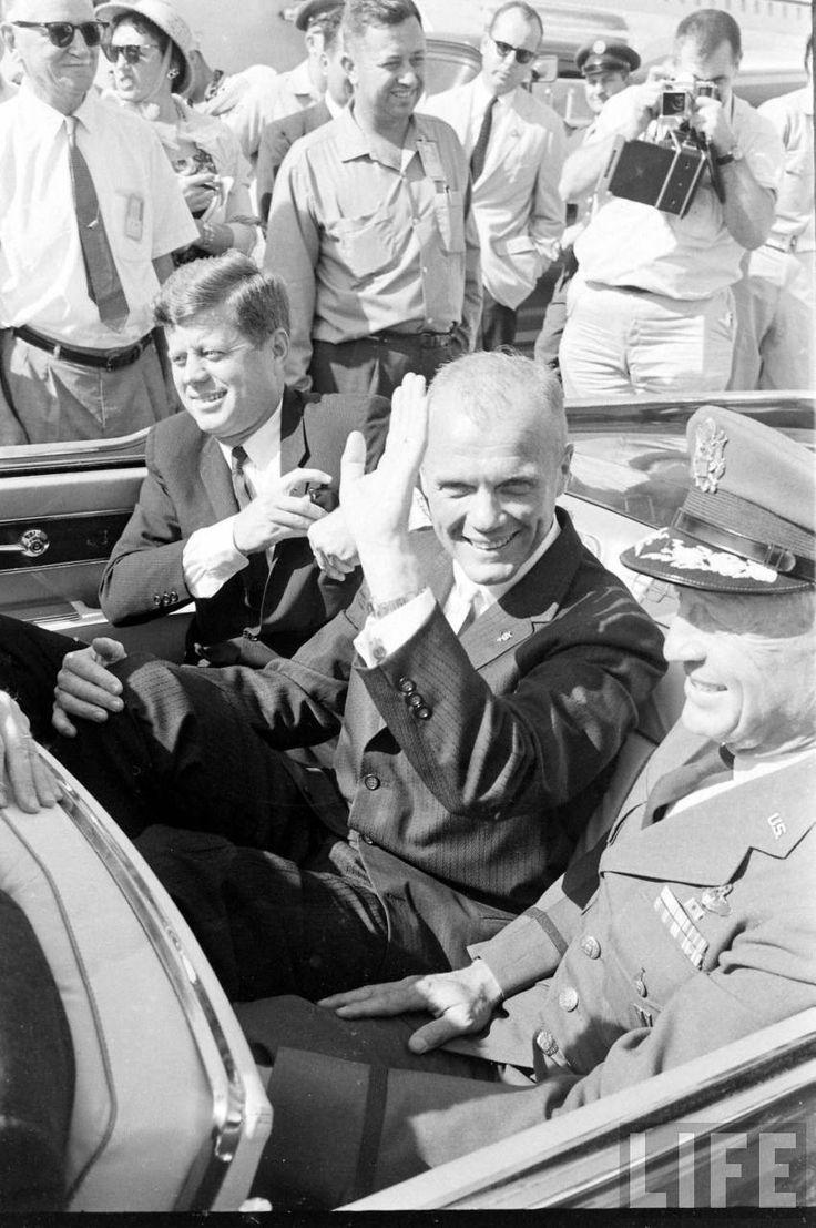 1962 President Kennedy & John Glenn Photographer: Ralph Morse
