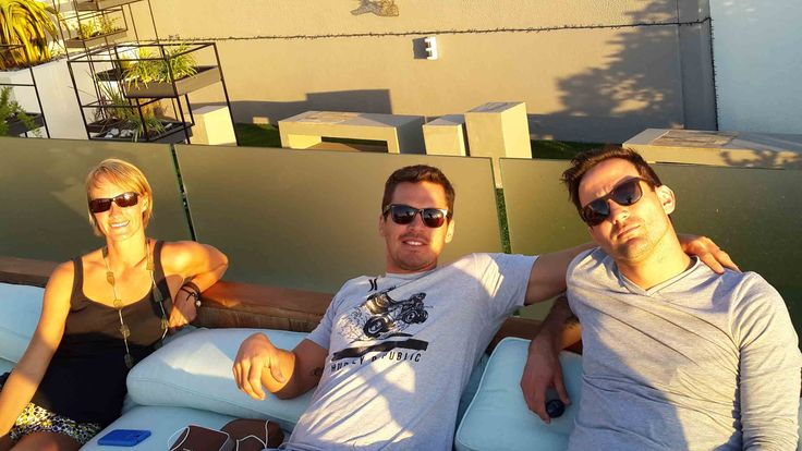 Vicki, PJ and Ivan soak up the Cape Town sun as well, enjoying some time off before the upcoming challenges.