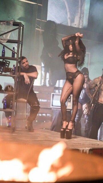 Nicki minaj & Drake in awe