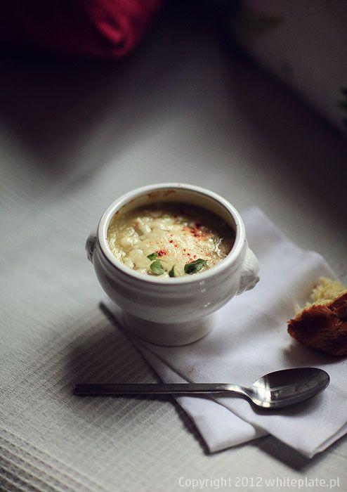Zupa z selera i powrót do rzeczywistości   White Plate