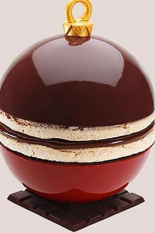 Une bûche de Noël originale, façon boule : pour notre bûche de Noel, laissons nous inspirer par les grand pâtissiers !