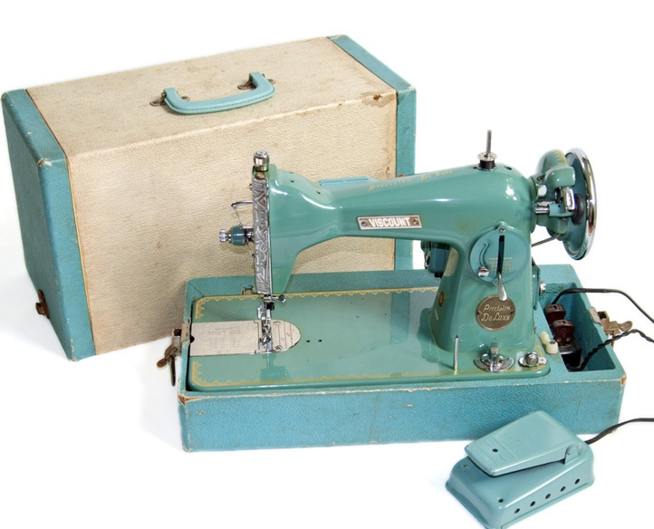 1950 39 s viscount precision de luxe sewing machine vintage. Black Bedroom Furniture Sets. Home Design Ideas