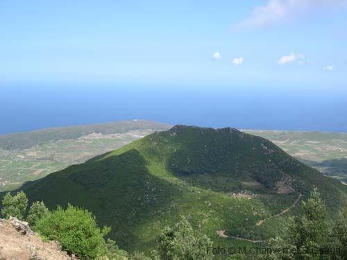 isola di pantelleria dall'alto -il vulcano  Cerca con Google