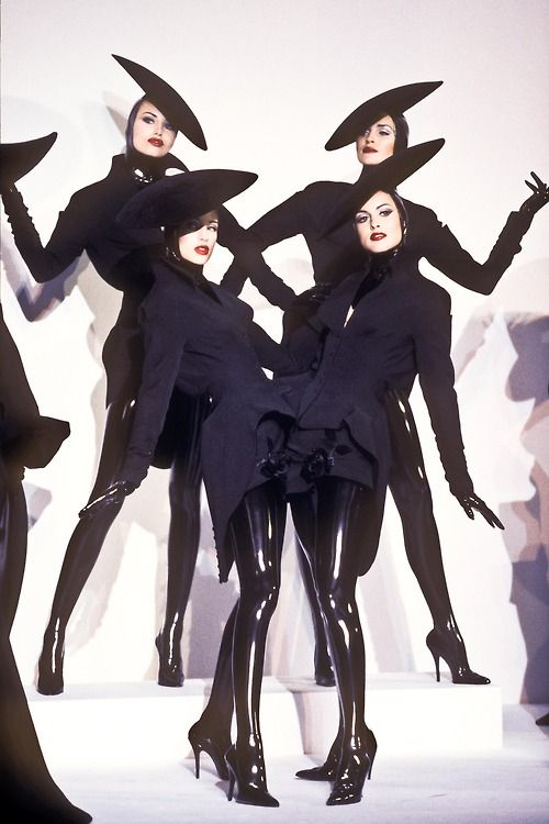 fashion Model 90's supermodel thierry mugler fashion show