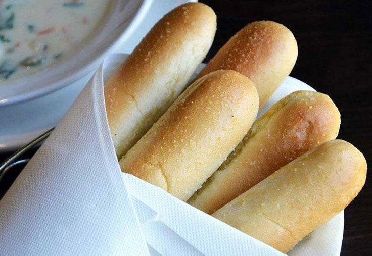 Healthy Makeover Olive Garden Breadsticks Olive Garden Breadsticks Olive Gardens And Olives