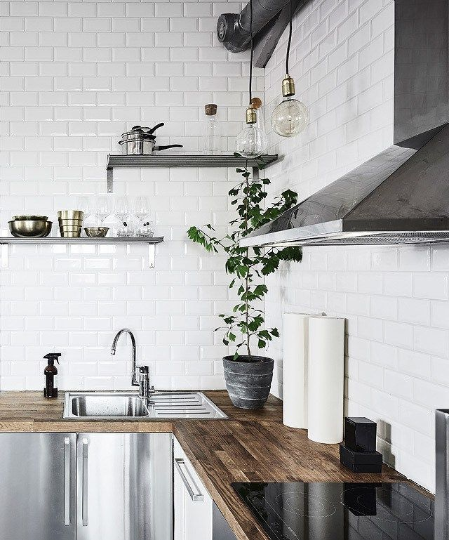 Plants in the kitchen is always a fab idea!