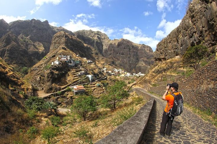 Santo Antão é um paraíso para os amantes das caminhadas. Há vários trilhos maravilhosos na ilha e o trekking da Ponta do Sol é um deles.