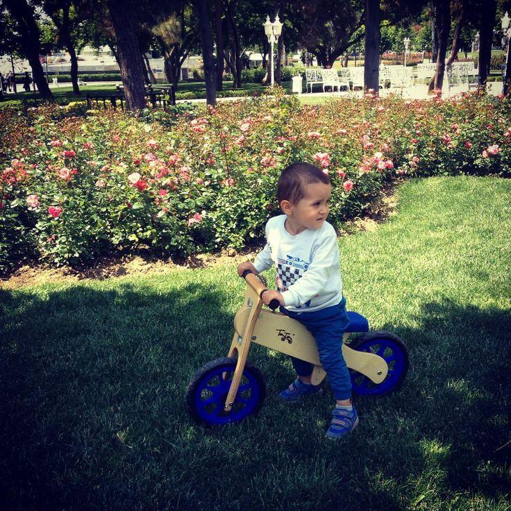 "65 Likes, 4 Comments - Erva Demir (@ervinaa_aa) on Instagram: ""@taytay_tahta_bisiklet #dengebisikleti 🚲"""