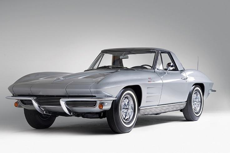 Per questa iconica Chevrolette Corvette Sting Ray del 1963, «basteranno» 100 mila euro. http://giornalemotori.it/69507/amelia-lasta-dei-tesori/#