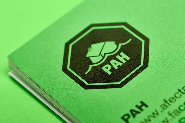 Logo, cartells, Llibre Verd, adhesius #PAH #sisepuede #agitaciografica