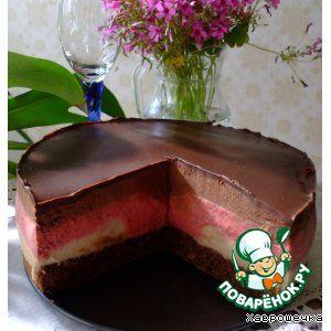"""Торт """"Клубнично-бананово-шоколадный мусс"""""""