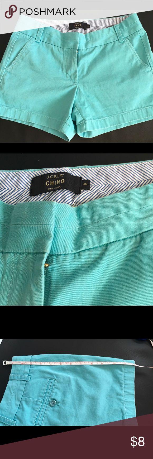 "J Crew Chino Shorts Fun Summer Mint Green size 0🏖 J Crew Chino 100% cotton size 0 Mint Green length 12"" inseam 3.5"" preowned broken in chinos slight fading Fun Summer Shorts🌴 J. Crew Shorts"