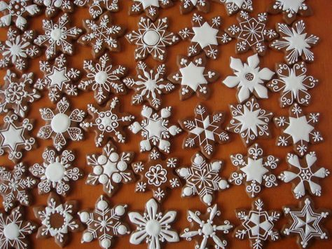 snowflake cookie decorating