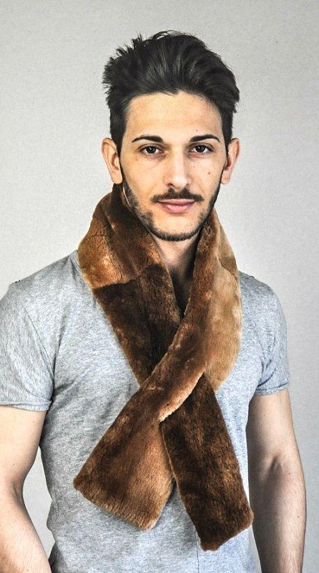Sciarpa in vera pelliccia di castoro canadese per uomo  www.amifur.it
