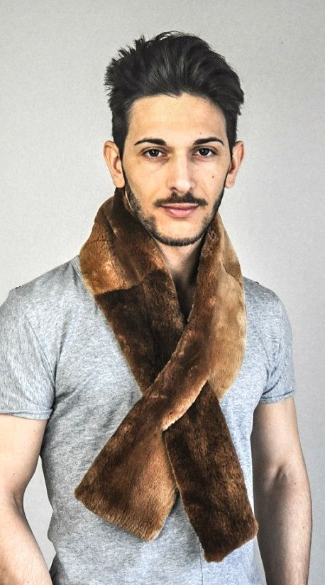 Looking for a real and fashionable men's fur scarf.  Real Canadian beaver fur scarf.  www.amifur.co.uk