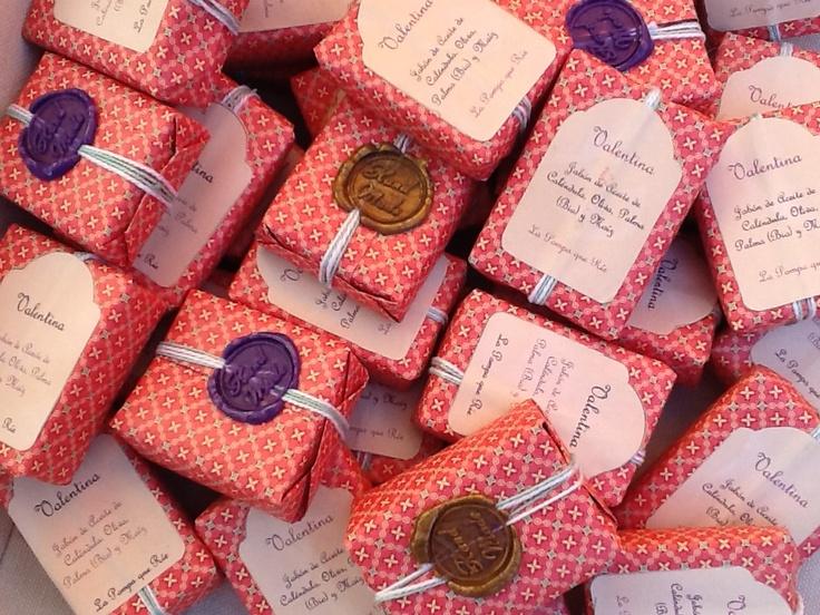 Nice soap packaging for weddings #lapompaquerie www.lapompaquerie.com