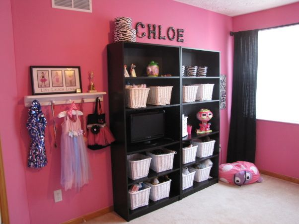 Images Of Pink & Zebra Girls Rooms | hot pink zebra retreat with a little paris - Girls' Room Designs ...