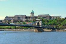 Het paleis van koning Matthias in Boedapest. Groots, meeslepend en met het mooiste uitzicht dat je kunt wensen.  Lees meer: http://www.hungariahuizen.nl/boedapest-bezienswaardigheden/