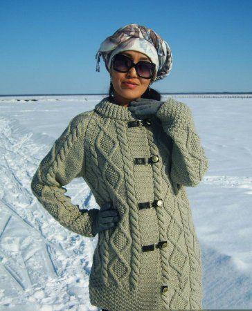 Модные вязаные пальто