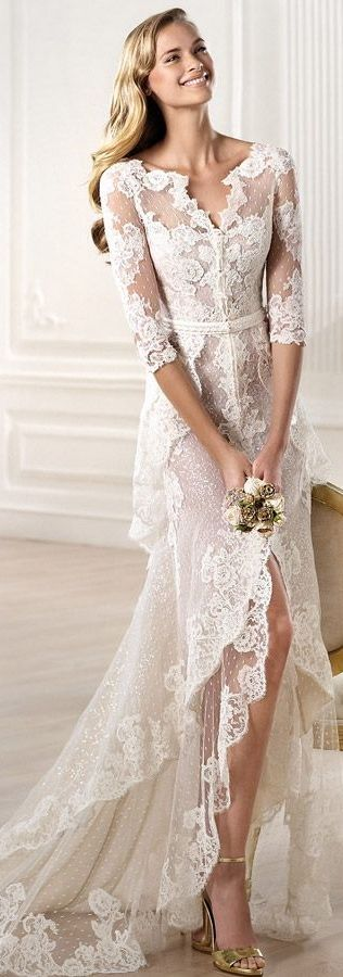 I am beginning to like wedding dresses with sleeves more and more