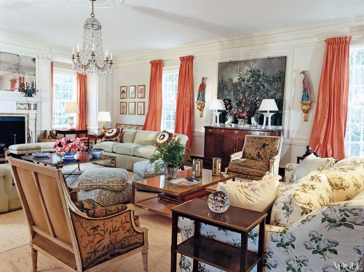 Tory Burch in The Hamptons Living Room via VogueBurch Southampton, Living Rooms, Room Layout, Colors, Coral Curtains, Livingroom, Tory Burch, House, Toryburch