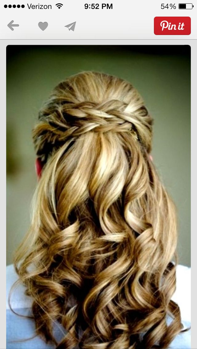 This is how i want my hair w/ a sparkly comb above the braids. ️