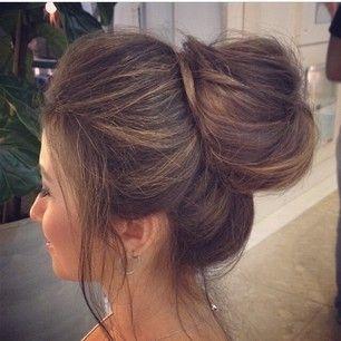 nice bun updo #prom #schoolball #highschoolformal