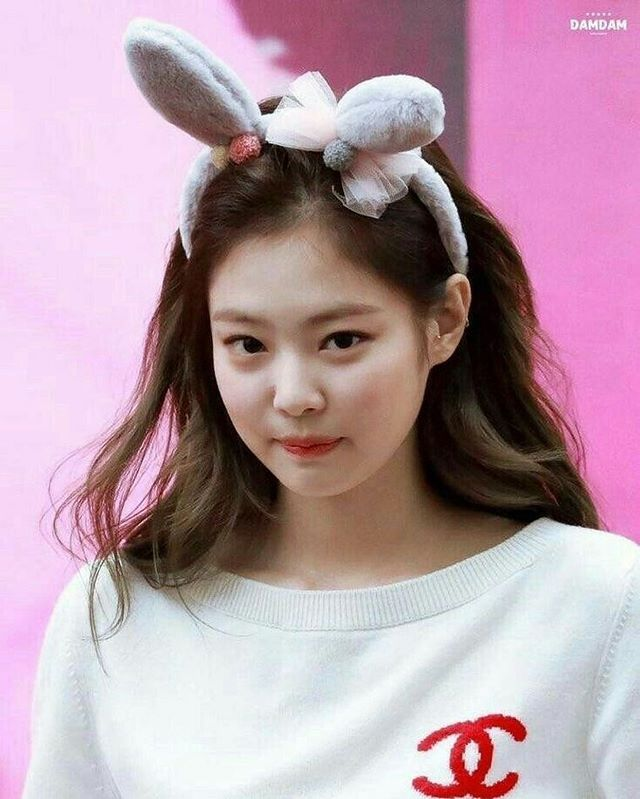 "BLΛƆKPIИK – JENNIE | 제니 | no Instagram: "";🌸 The cutest bunny ever…"