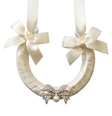Vintage wedding horseshoe, never heard of this but really want it now...